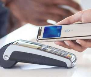 Czech Banks See Growing Use of NFC Wallets with Smartphones and Wearables for Contactless Payments